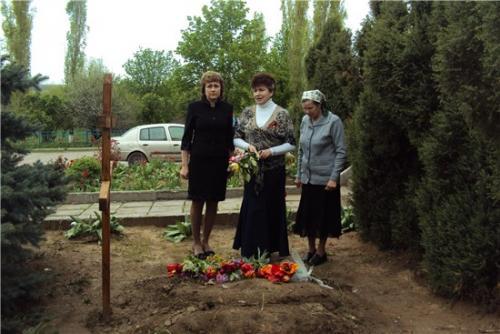 Возложение цветов павшим воинам ВОВ