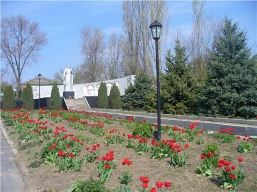 Мемориал погибшим воинам в с. Большая Неклиновка